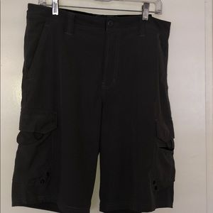 Ocean current size 33 shorts